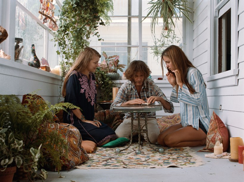 Inherent Vice Ouija scene