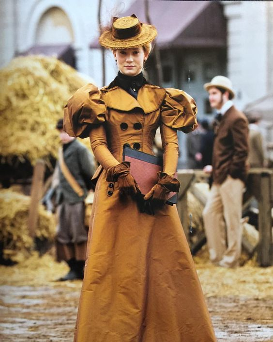 Crimson Peak costume design