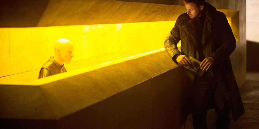 blade-runner-2049-with-ryan-gosling